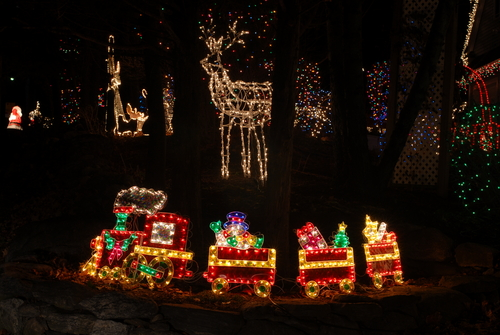 Top 5 Places to Explore Holiday Lights in Central Virginia ...
